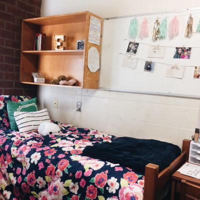 Pros and Cons of Dorm Life